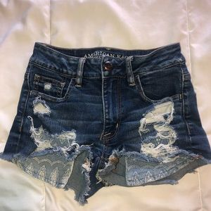 American Eagle shorts with detail on pockets!